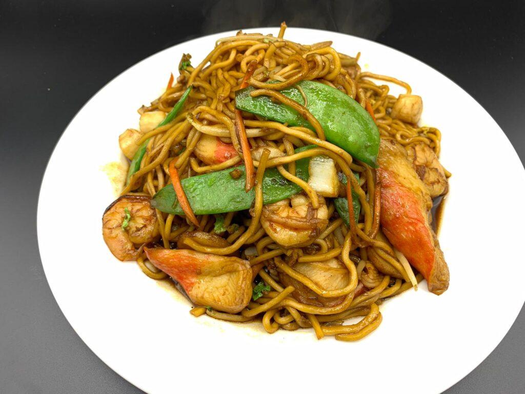 noodles / lo mein